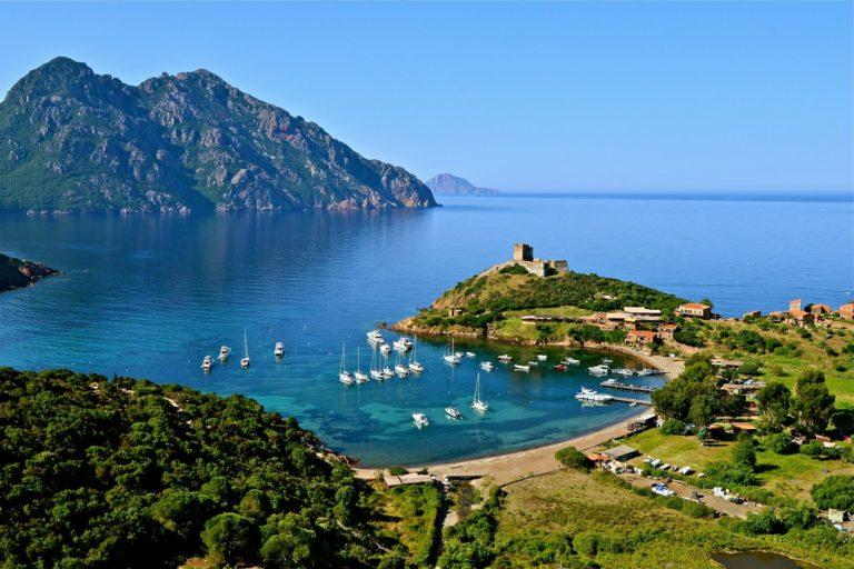 Louer un voilier pour les vacances en Corse